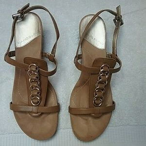 Bandolino Wedge Shoe Tan